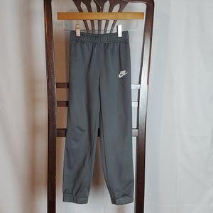 Nike Gray Big Boys Sweat Pants in a size 7/L